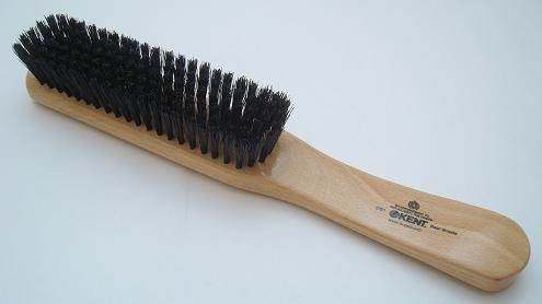 Kent CG1 clothes brush
