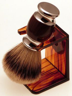 Diamond Edge Premium Silvertip Badger shaving brush with tortoiseshell dripstand
