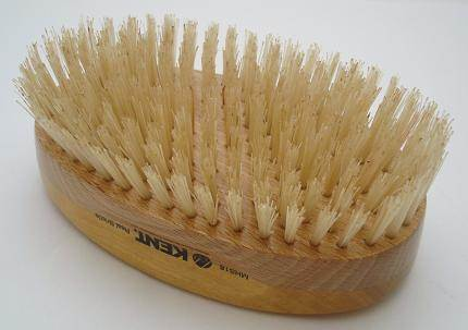 Kent MHS18 Handmade Military brush